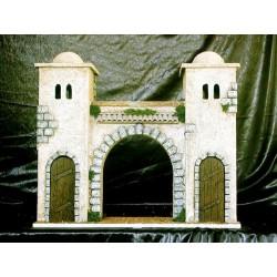Edificio de entrada a Jerusalen, con dos torres laterales y arco central.
