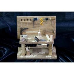 Mesa de carpintero surtido de herramientas. Medidas: 13x8x12