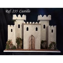 Castillo con 4 torres y modulo central con puerta