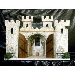 Castillo con estancia interior, y cuatro torres.
